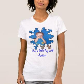 J'aime un petit garçon avec l'autisme t-shirt