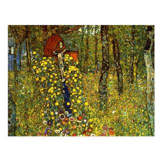 Jardin de ferme avec le crucifix par Gustav Klimt Carte Postale