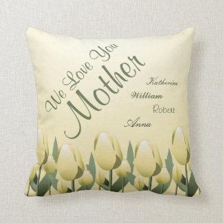 Jaune signé par maman d'amour de tulipes de coussin