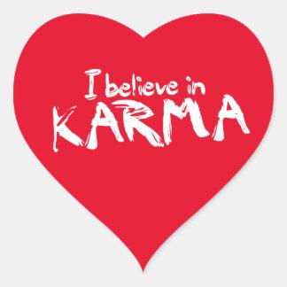 Je crois aux autocollants de coeur de karma