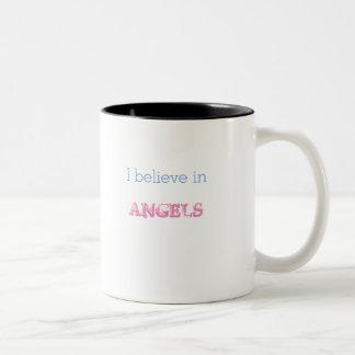 Je crois dans ailes de tasse d'anges de petites