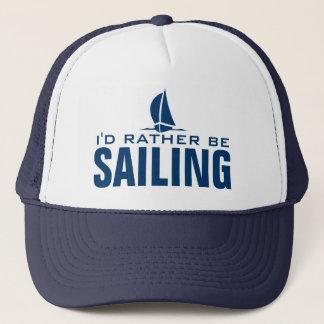 Je naviguerais plutôt le casquette nautique