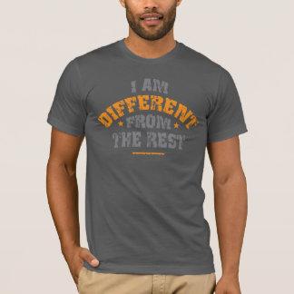 Je suis différent du T-shirt de gris d'asphalte de