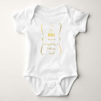 Je suis le GRAND T-shirt de bébé de miracle…