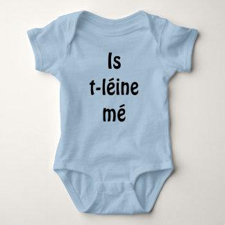 Je suis un bébé/enfant en bas âge de langue de body