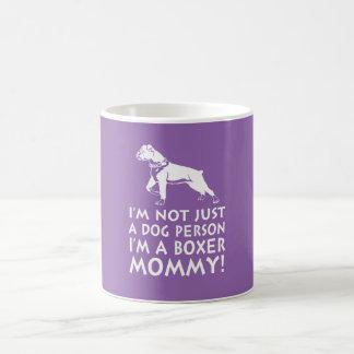 Je suis une maman de boxeur ! mug blanc