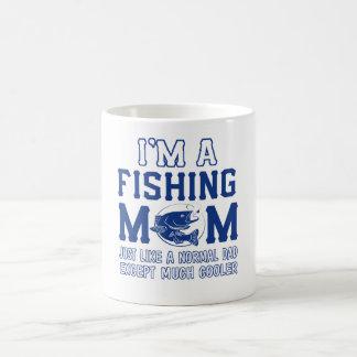 Je suis une maman de pêche mug
