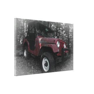 Jeep rouge avec l'arrière - plan noir et blanc toiles