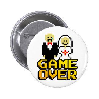 Jeu au-dessus du mariage (à 8 bits) badge rond 5 cm