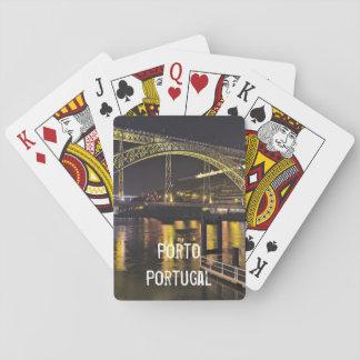 Jeu De Cartes Porto - le Portugal. Scène de nuit près de rivière