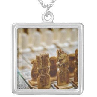Jeu d'échecs à vendre, bazar d'EL Khalili de Khan, Collier