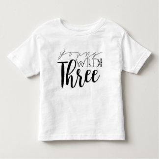 Jeune anniversaire sauvage et de trois | 3ème t-shirt pour les tous petits