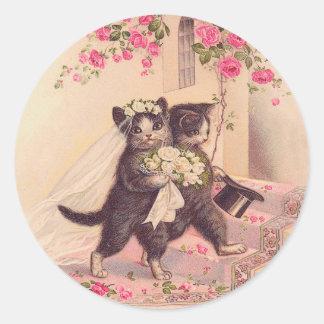 Jeunes mariés vintages de chats de mariage sticker rond