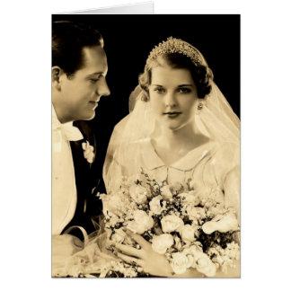 Jeunes mariés vintages de mariage carte