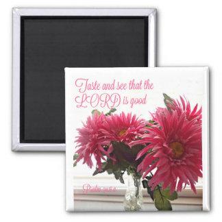 Joli aimant avec les marguerites roses + Écriture
