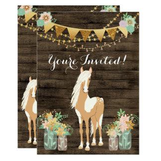 Joli cheval, fleurs, invitation en bois rustique
