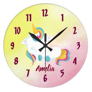 Jolie horloge de licorne comportant votre nom
