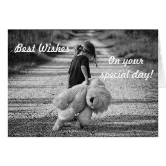 Joyeux anniversaire laissant l'enfant avec l'ours carte de vœux