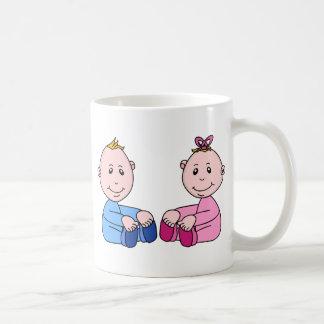 Jumeaux de garçon et de fille mug blanc