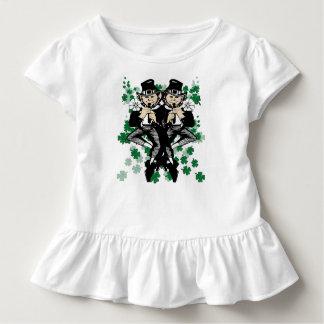 Jumeaux irlandais chanceux de double problème t-shirt pour les tous petits