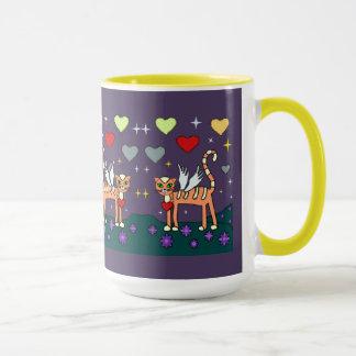 Kitty à ailes avec la tasse de coutume de coeur