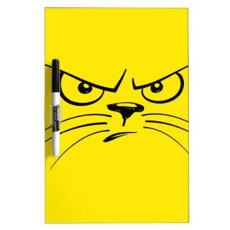 Kitty jaune fâché font face
