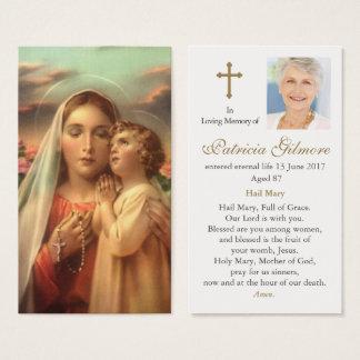 La carte funèbre de prière enfante la dévotion
