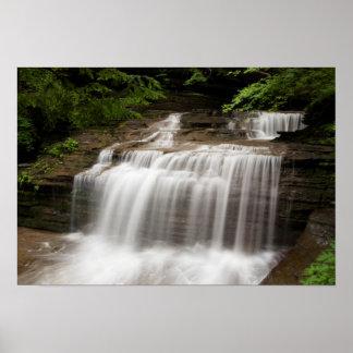 La cascade en babeurre tombe parc d'état, New York