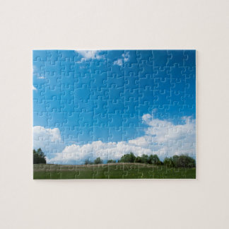 La colline verte et le ciel bleu puzzle