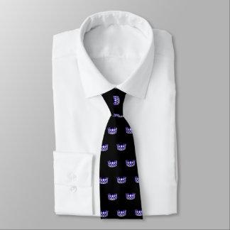 La cravate des hommes pourpres de couronne de la