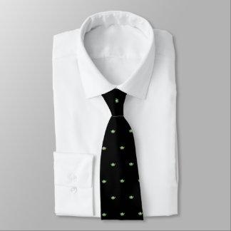 La cravate des hommes vert pomme de couronne de