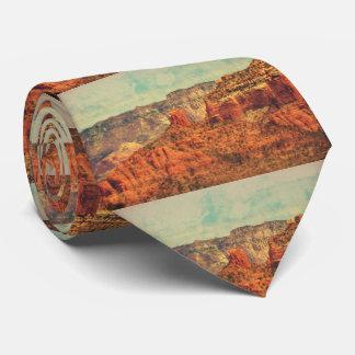La cravate grunge des hommes de Sedona