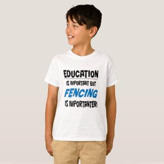 """La """"éducation est"""" T-shirt important pour des"""
