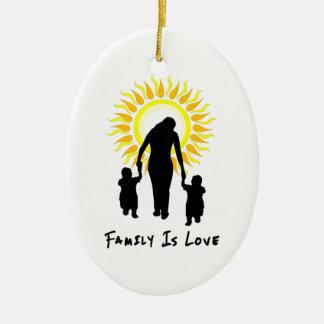 La famille est amour Sun Ornement Ovale En Céramique