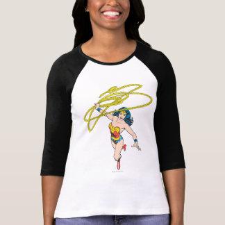 La femme de merveille tient le lasso 2 t-shirt