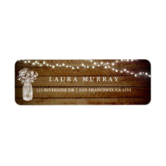 La ficelle en bois rustique allume l'étiquette de étiquettes d'adresse retour