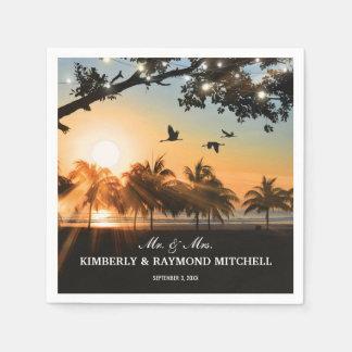 La ficelle tropicale de coucher du soleil de plage serviette jetable
