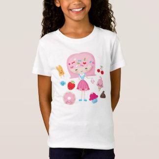 La fille de Harajuku Kawaii badine le T-shirt