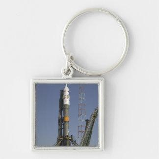 La fusée de Soyuz est érigée en le place 2 Porte-clés