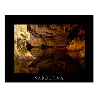 La grotte de Neptune, carte postale noire de la