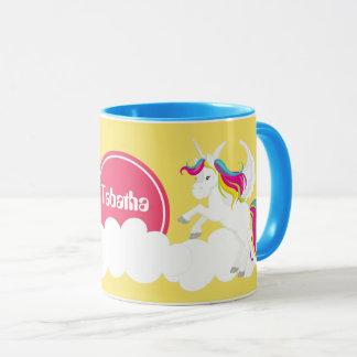 la licorne mignonne d'imaginaire ajoutent la tasse