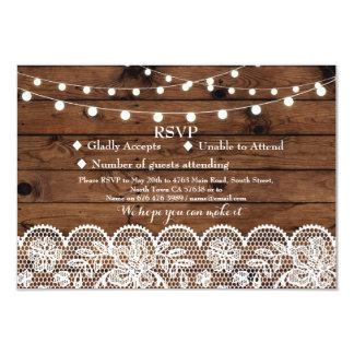 La lumière en bois de dentelle d'hiver de mariage carton d'invitation 8,89 cm x 12,70 cm