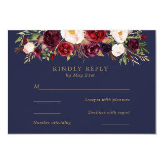 La marine Marsala fleurit épousant la carte de