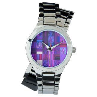 La montre argentée enveloppante des femmes