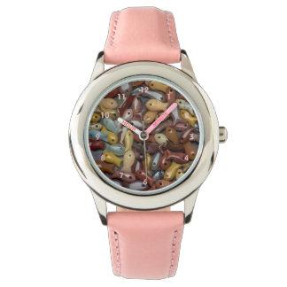 La montre de l'enfant de perle de poissons montres