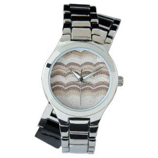 La montre des femmes beiges de mosaïque