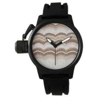 La montre des hommes beiges de mosaïque