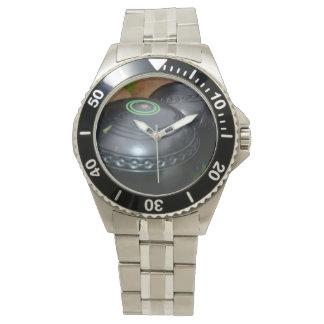 La pelouse roule, la montre de bracelet de l'acier
