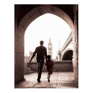 La petite fille du papa - Londres - carte postale