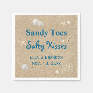 La plage Sandy botte des baisers salés épousant la Serviettes En Papier